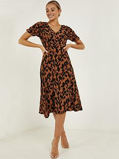 quiz-quiz-crepe-animal-print-ruche-sleeve-midi-dress