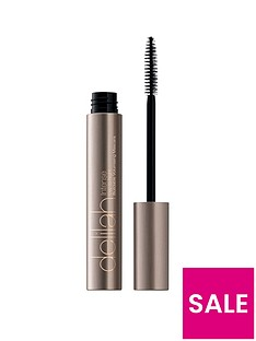 delilah-intense-day-to-night-buildable-volumising-mascara