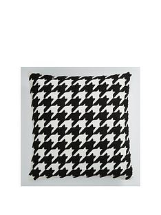 houndstooth-cushion