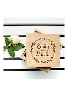 treat-republic-personalised-romantic-wreath-frame-oak-photo-cube