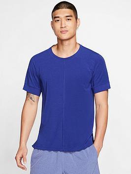 nike-short-sleeve-yoga-tee-blueblack