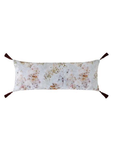 ted-baker-pvanilla-cushionp