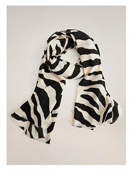 mango-zebra-print-scarf-light-beige