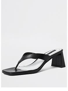 river-island-toe-post-block-heel-sandals-black