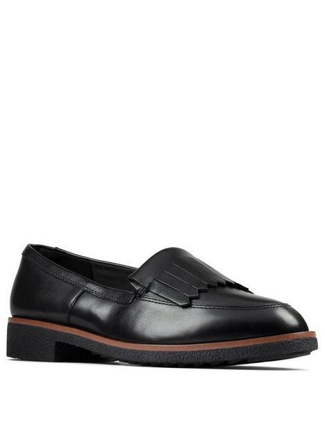 clarks-griffin-kilt-leather-loafer-black