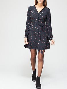 v-by-very-button-down-tie-waist-tea-dress-heart-print