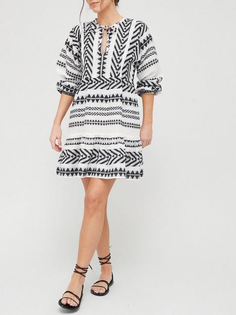 v-by-very-tiered-jacquard-dress-monochrome