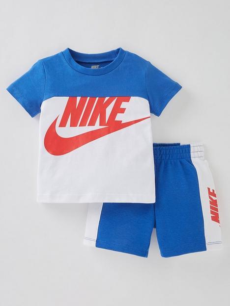 nike-younger-boy-short-sleeve-amplify-short-set-bluewhite