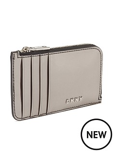 dkny-gifting-ew-zip-card