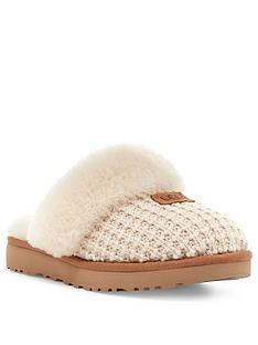 ugg-cozy-slipper-cream