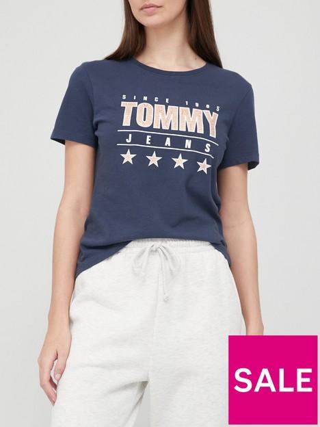 tommy-jeans-slim-metallic-tommy-logo-t-shirt-navy