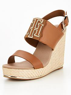 tommy-hilfiger-elastic-high-wedge-sandal-tan