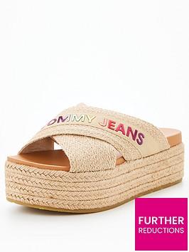 tommy-jeans-rainbow-branding-mule-flatform-stone
