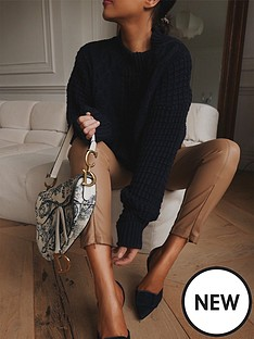 in-the-style-in-the-style-x-lorna-luxe-ornate-structure-cable-knit-jumper-navy