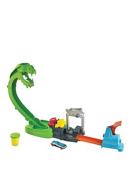 hot-wheels-toxic-snake-strike-car-playset-with-slime
