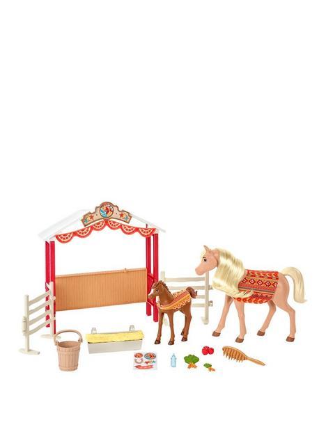 spirit-untamed-stable-sweeties-horse-playset