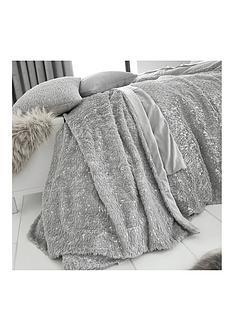 by-caprice-vivian-sparkle-faux-fur-throw-grey