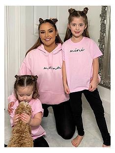 in-the-style-in-the-style-xnbspjac-jossa-mini-me-unisexnbspmini-slogan-t-shirt-pink
