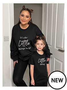 in-the-style-in-the-style-xnbspjac-jossa-mini-me-unisexnbsplittle-thing-slogan-t-shirt-black