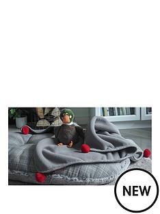 zoon-grey-plaid-comforter