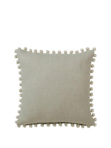 palos-filled-cushion
