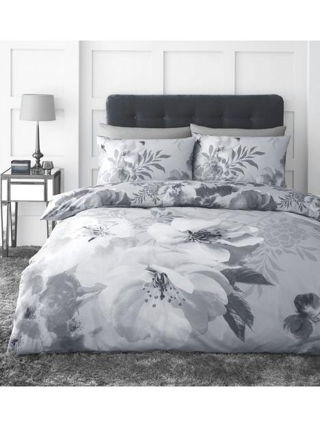 catherine-lansfield-dramatic-floral-duvet-cover