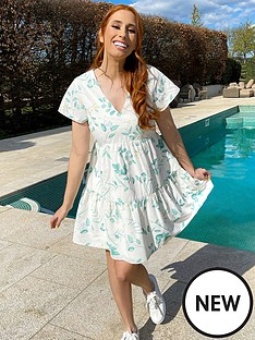 in-the-style-in-the-style-xnbspstacey-solomon-flippy-shortnbspsleeve-tiered-day-dress-white-eucalyptus
