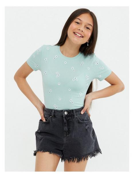 new-look-915-girlsnbspdaisy-embroidered-rib-baby-short-sleeve-t-shirt-light-green