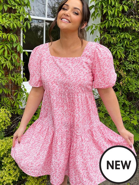 in-the-style-in-the-style-xnbspjac-jossanbspditsy-floral-tiered-mini-dress-pink
