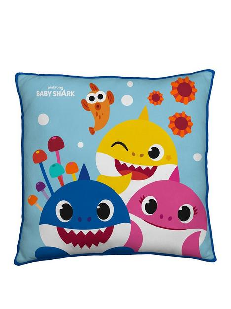 baby-shark-bay-shark-rainbow-square-cushion