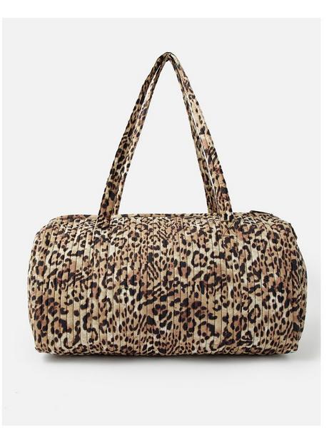 accessorize-leopard-weekender