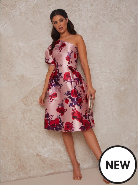 chi-chi-london-chi-chi-one-shoulder-puff-sleeve-floral-midi-dress-in-pink