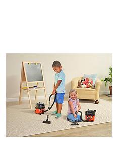 casdon-toy-vacuum-cleaner